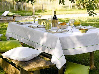 table-linen-maca-cloth